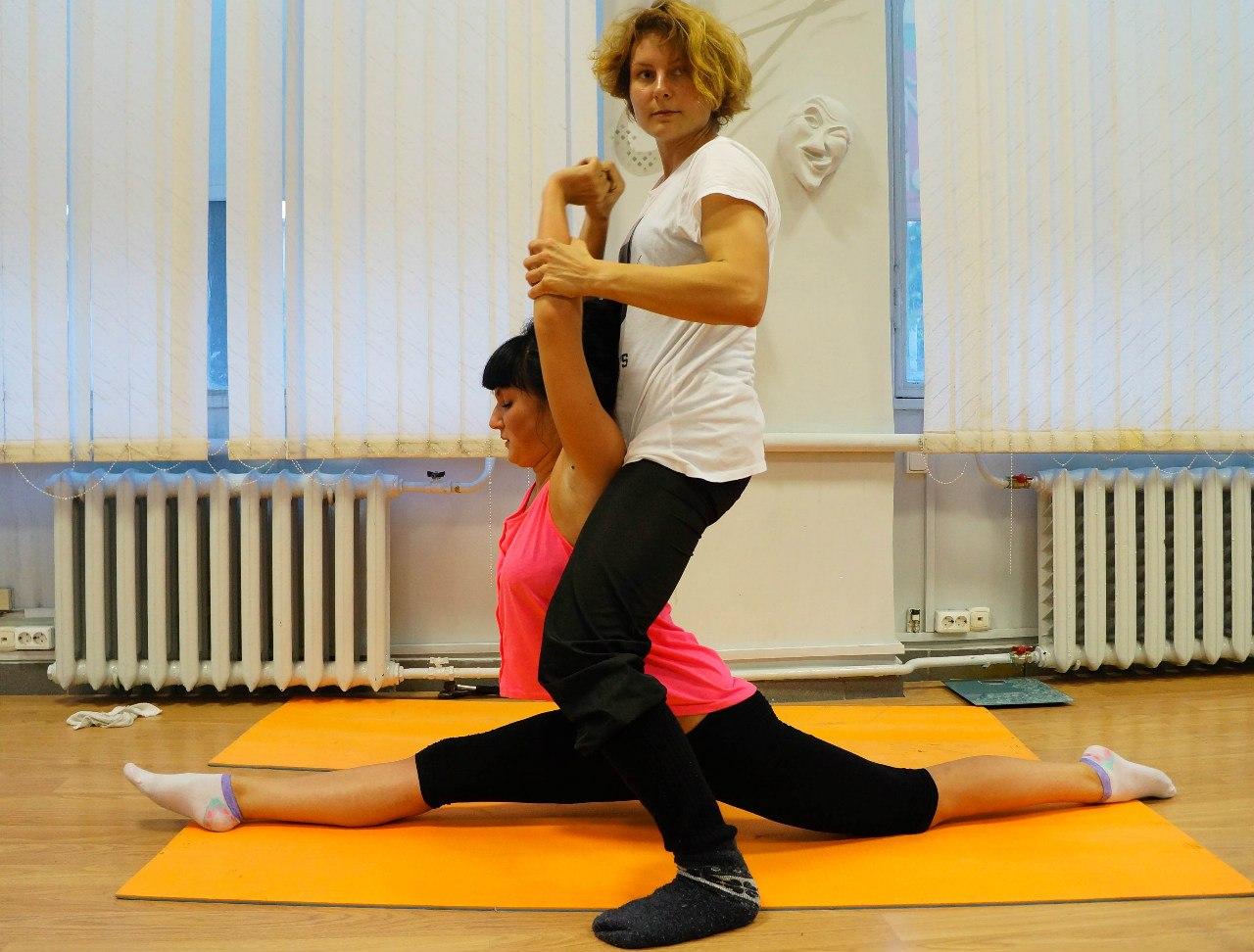 Эротические упражнения на растяжку 3 фотография